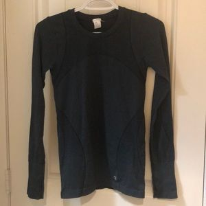 Long sleeve work out top